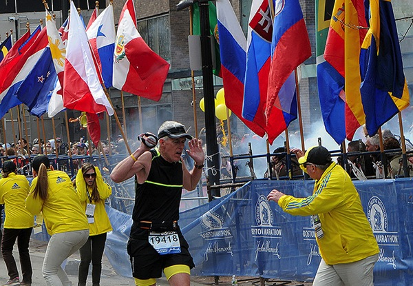 A runner and race officia 001
